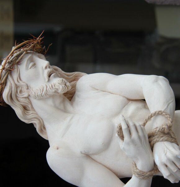 Particolare Cristo in legno di tiglio e cirmolo