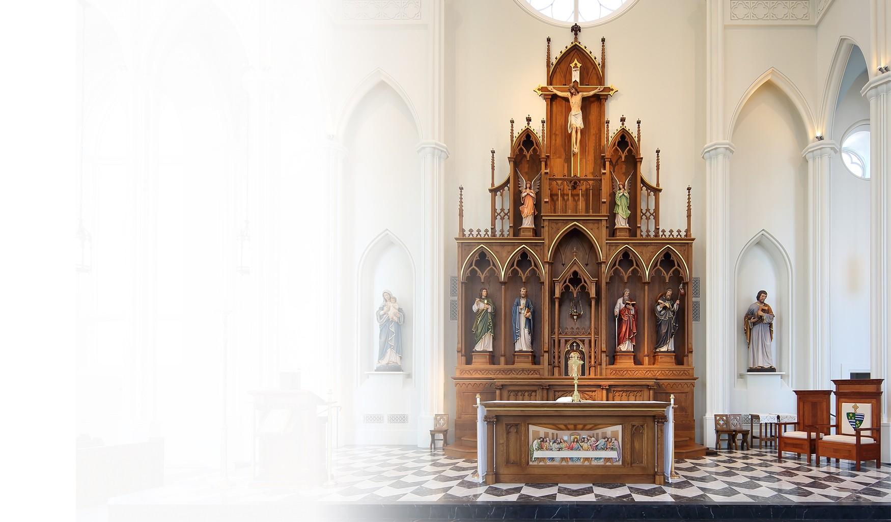 immagine altare in legno creata da Ferdinand Stuflesser
